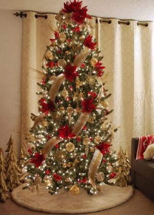 ribbon-on-christmas-tree-ideas3