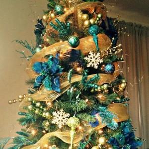 ribbon-on-christmas-tree-ideas9
