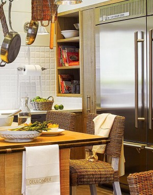 rustic-kitchen-in-city-apartment10
