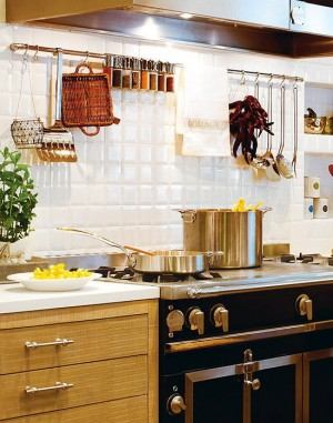 rustic-kitchen-in-city-apartment3