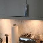 3-kitchen-tours-in-feminine-techno1-8.jpg
