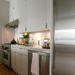 3-kitchen-tours-in-feminine-techno1-9.jpg