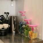 3-kitchen-tours-in-feminine-techno2-3.jpg