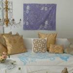 accent-metallic-in-livingroom11.jpg