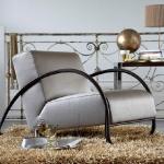 accent-metallic-in-livingroom4.jpg