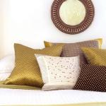 accent-metallic-in-bedroom1.jpg