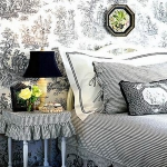 achromatic-traditional-bedroom4.jpg