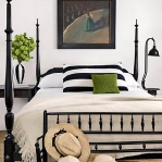 achromatic-traditional-bedroom5.jpg