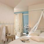 around-bed25.jpg