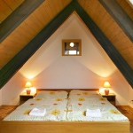 attic-space-ideas-decor-incline4.jpg