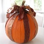 autumn-decor-to-one-porch-pumpkin8.jpg