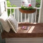 balcony-flowers-ideas1-14.jpg