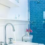bathroom-in-blue-and-white3.jpg