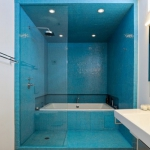 bathroom-in-blue-and-white8.jpg