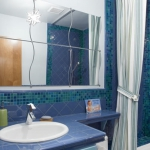 bathroom-in-blue-mosaic2.jpg