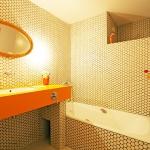 bathroom-in-spice-tones-orange9.jpg