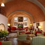 beautiful-tuscan-classic-villa10.jpg
