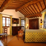 beautiful-tuscan-classic-villa22.jpg