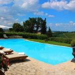 beautiful-tuscan-classic-villa36.jpg