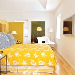 bedroom-yellow-accent1.jpg