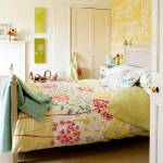 bedroom-yellow-accent19.jpg