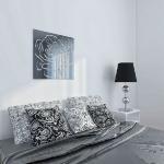 black-mirrored-panels-in-rooms5.jpg