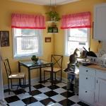 black-white-checkerboard-floors-tiles-in-kitchen11-1.jpg