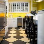 black-white-checkerboard-floors-tiles-in-kitchen7-2.jpg