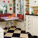 black-white-checkerboard-floors-tiles-in-small-kitchen2.jpg