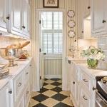 black-white-checkerboard-floors-tiles-in-small-kitchen3.jpg