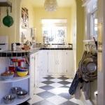 black-white-checkerboard-floors-tiles-in-small-kitchen5.jpg