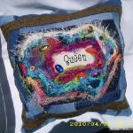blue-jeans-pillows-trim-buttons2.jpg