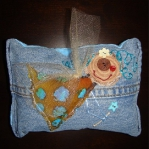 blue-jeans-pillows-patch9.jpg
