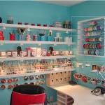 bright-craft-room-in-details3.jpg