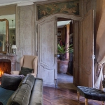 charming-antique-interiors-in-hotel-des-tailles3-2.jpg