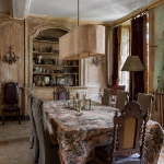 charming-antique-interiors-in-hotel-des-tailles4-1.jpg