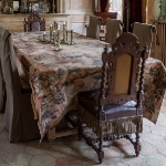 charming-antique-interiors-in-hotel-des-tailles4-3.jpg