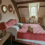 charming-antique-interiors-in-hotel-des-tailles6-1.jpg