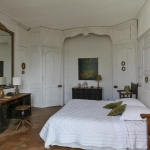 charming-antique-interiors-in-hotel-des-tailles7-2.jpg
