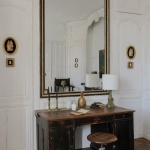 charming-antique-interiors-in-hotel-des-tailles7-5.jpg