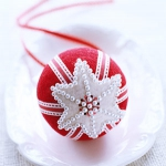 christmas-ball-ideas-diy-from-felt3.jpg
