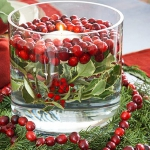 christmas-cranberry-and-red-berries-candles-decorating1-5.jpg
