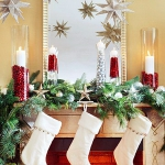 christmas-cranberry-and-red-berries-candles-decorating2-10.jpg