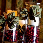 christmas-cranberry-and-red-berries-candles-decorating2-3.jpg