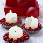 christmas-cranberry-and-red-berries-candles-decorating2-5.jpg