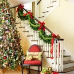 christmas-staircase-garland2-1.jpg