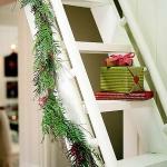 christmas-staircase-garland2-6.jpg