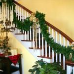 christmas-staircase-garland3-3.jpg