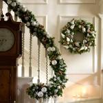 christmas-staircase-garland4-1.jpg