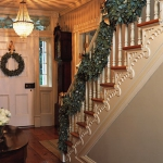 christmas-staircase-garland5-1.jpg
